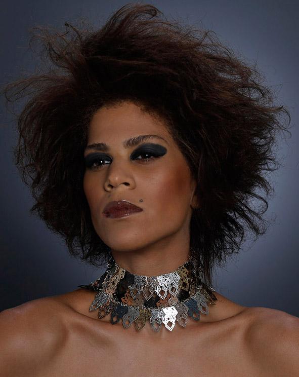 neck jewelry